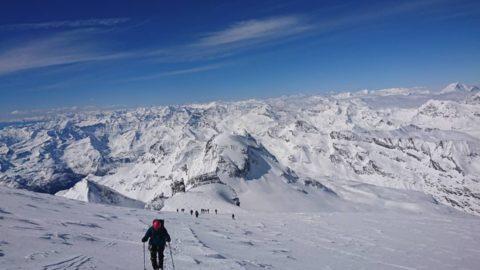 Документи: Положення про інструкторів альпінізму та Навчальна програма підготовки альпіністів