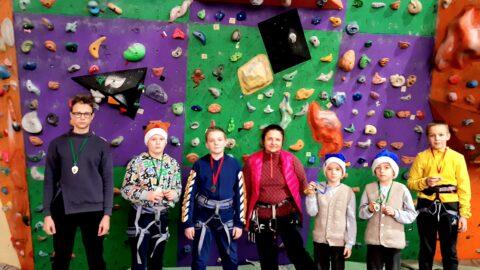 Результати першості  зі скелелазіння  вихованців гуртків скелелазіння  КПДЮ  серед дітей  та учнівської молоді