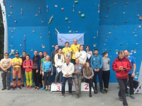 Змагання з альпінізму на стенді. Як проходять, який формат?